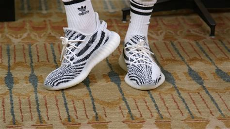 """Perfect Outfit for Yeezy 350 V2 """"Zebra"""" - YouTube"""