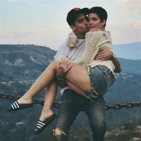 A Kiss on the Cheek from Halsey and G-Eazy's Cutest