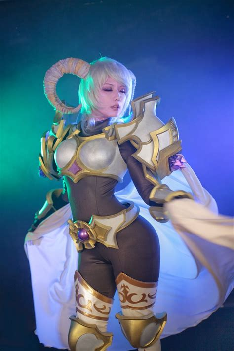 World of Warcraft Fans, Meet Yrel, the Draenei Paladin in