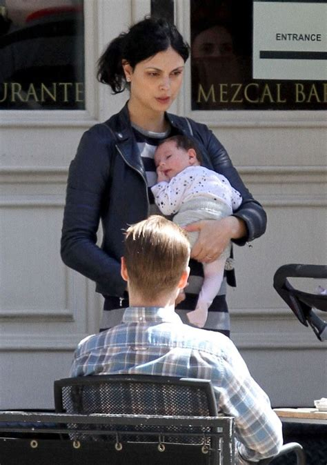 91 best Celebrity Baby First Sighting images on Pinterest