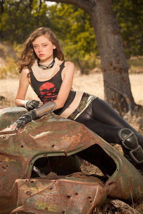 Coyote Velten Mad Max Motorcycle Girl – Moto Lady