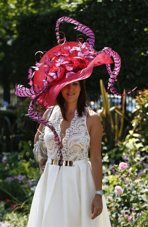 Despite high temps, Royal Ascot-goers don finest outfits