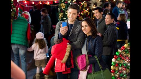 Family for Christmas - Stars Lacey Chabert and Tyron