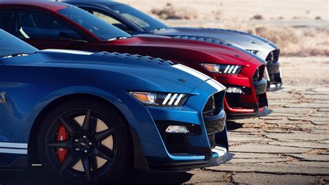 2020 Ford Mustang Shelby GT350 vs