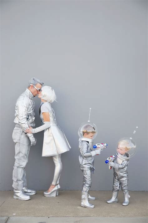 DIY SPACE FAMILY COSTUMES - Tell Love and Party